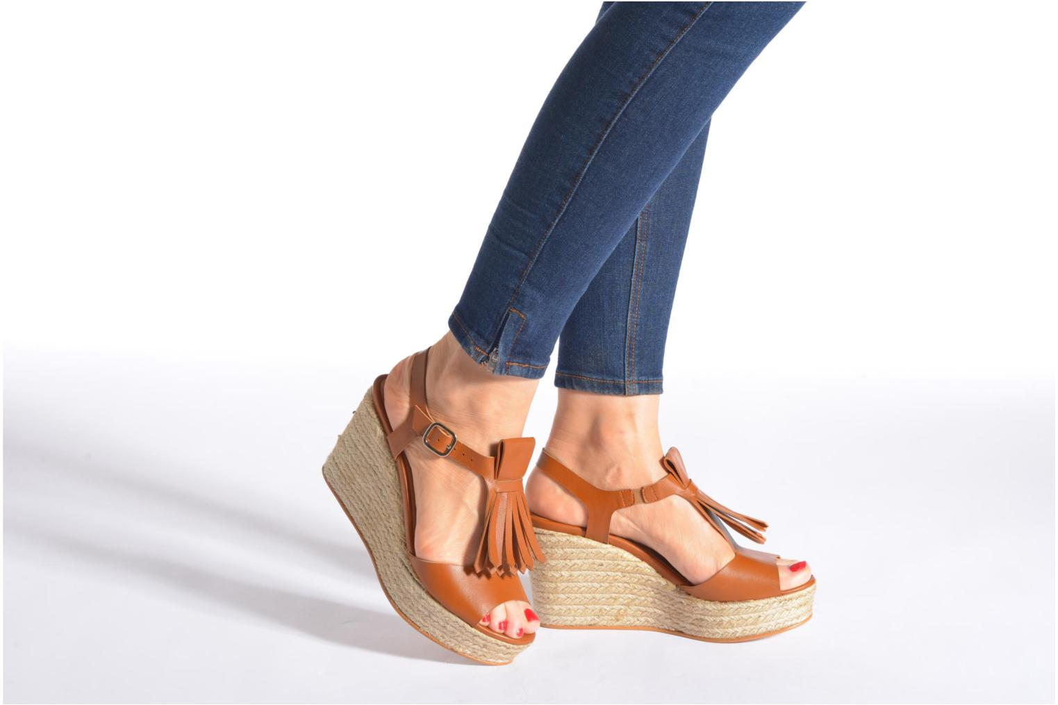 Sandals Made by SARENZA Discow Girl #1 Brown view from underneath / model view