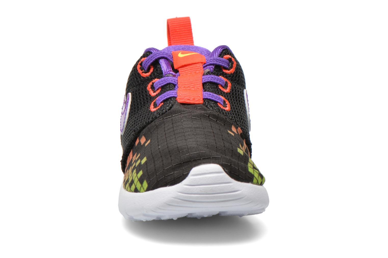 Trainers Nike Roshe One Print (Tdv) Black model view