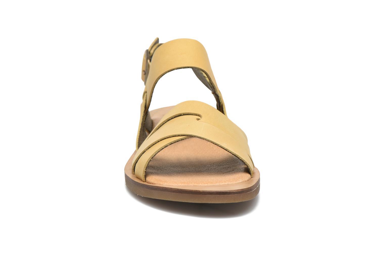 Sandales et nu-pieds El Naturalista Tulip NF33 Jaune vue portées chaussures