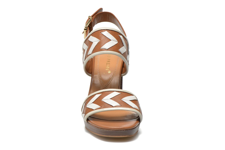 Sandali e scarpe aperte Bruno Premi Laly Marrone modello indossato