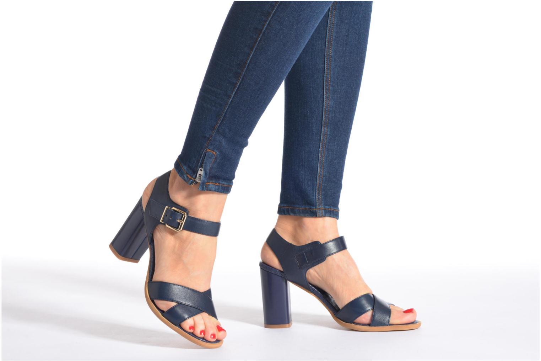 Sandalen Bruno Premi Mojo blau ansicht von unten / tasche getragen