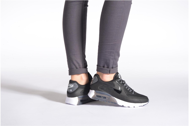 Sneaker Nike W Air Max 90 Ultra Essential blau ansicht von unten / tasche getragen