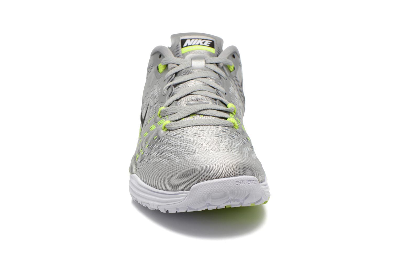 Chaussures de sport Nike Nike Lunar Caldra Gris vue portées chaussures