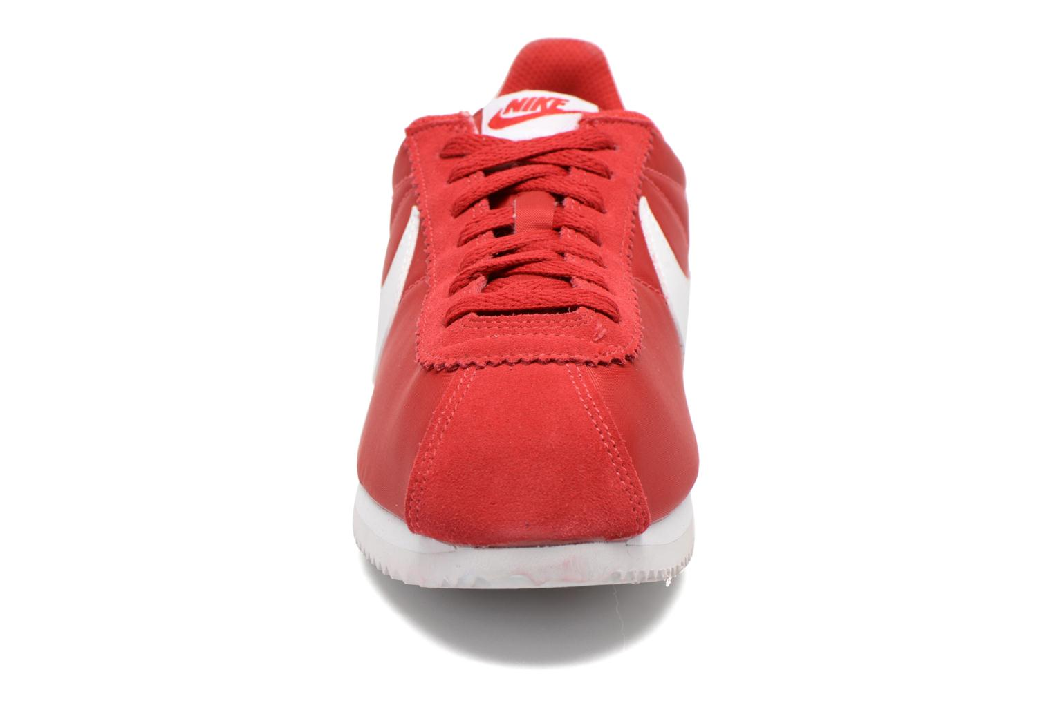 Trainers Nike Classic Cortez Nylon Red model view