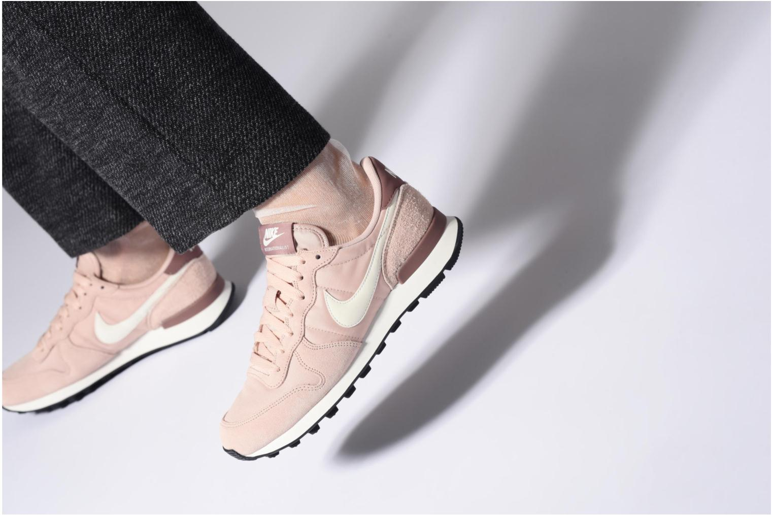 Baskets Nike Wmns Internationalist Bleu vue bas / vue portée sac
