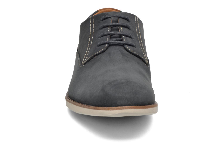 Zapatos con cordones Clarks Franson Plain Azul vista del modelo
