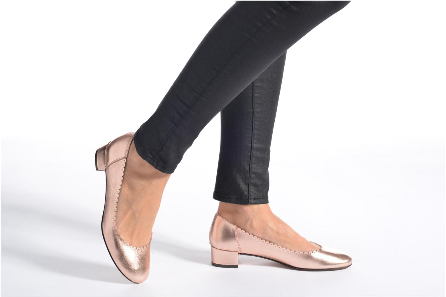 Ballet pumps Georgia Rose Sabby Bronze and Gold view from underneath / model view