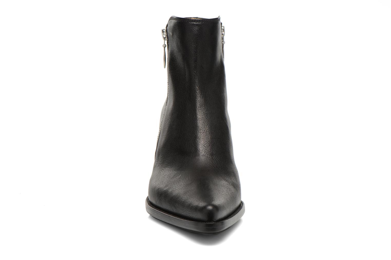 Bottines et boots Free Lance Okao 7 Boot 2 Zip Noir vue portées chaussures