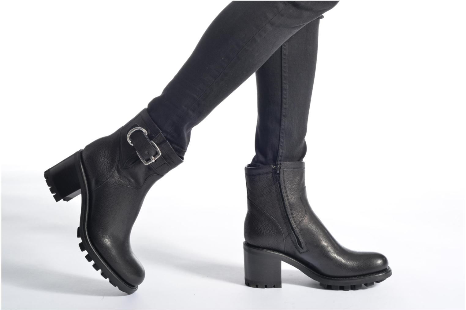 Ankle boots Free Lance Justy 7 Small Gero Buckle Black view from underneath / model view