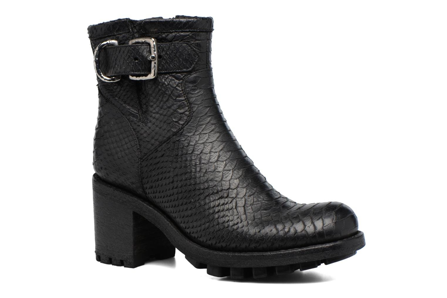 Ankle boots Free Lance Justy 7 Small Gero Buckle Black detailed view/ Pair view