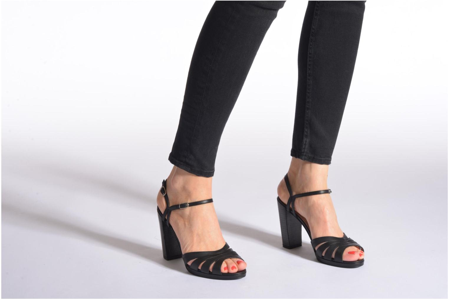 Sandals Free Lance Kerry 7 Sandal 2 Buckles Black view from underneath / model view
