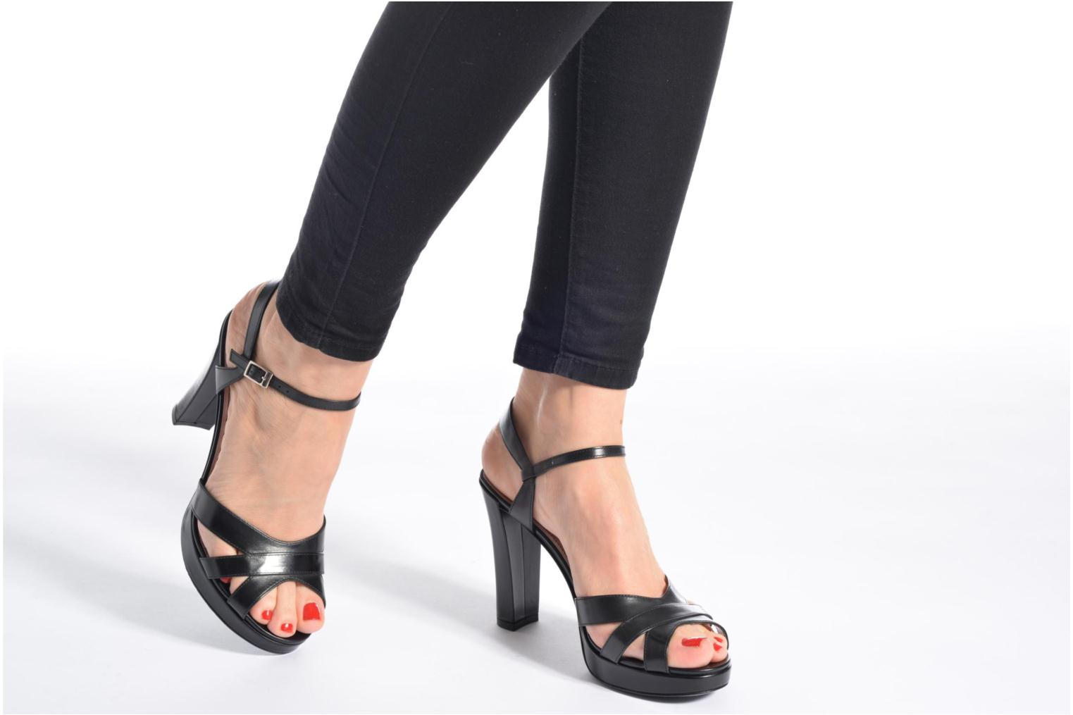 Sandals Free Lance Eve 7 Sandal Black view from underneath / model view
