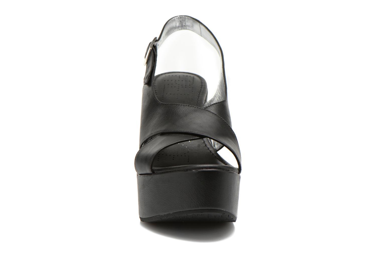 Sandales et nu-pieds Free Lance Bridge 7 Cross Line Noir vue portées chaussures
