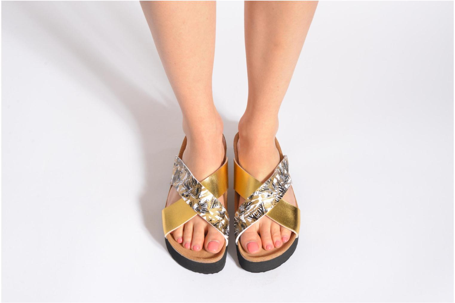Mules & clogs Desigual SHOES_BIO 10 MEGARA 3 Bronze and Gold view from underneath / model view