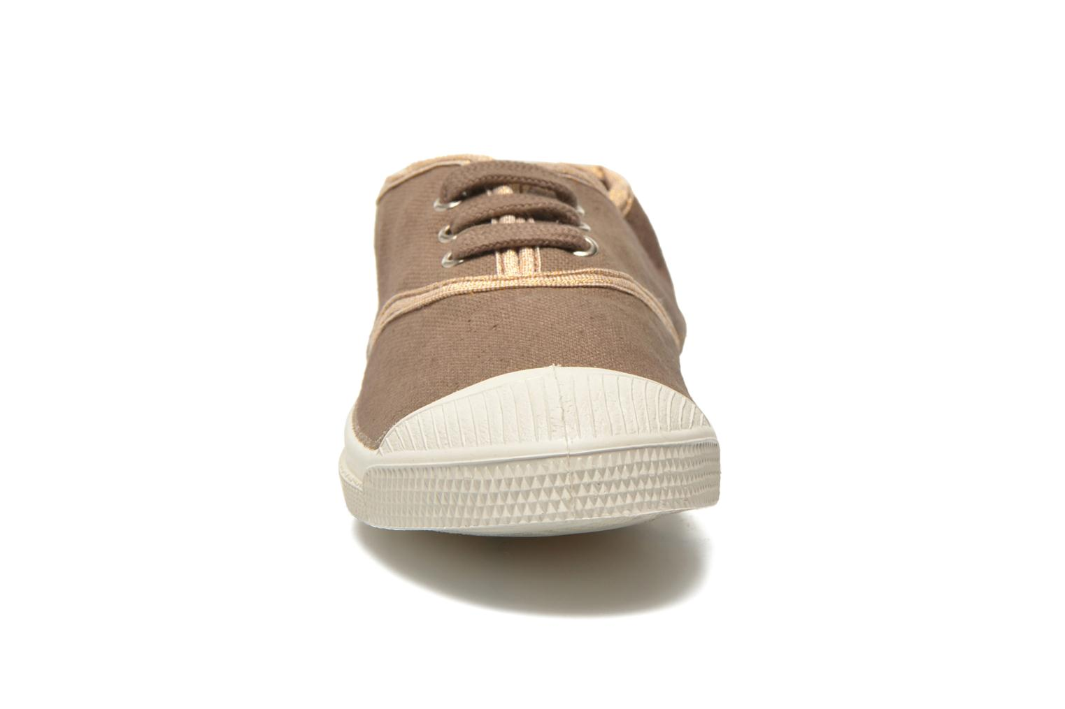 Trainers Bensimon Tennis Lacets Shinypiping E Brown model view