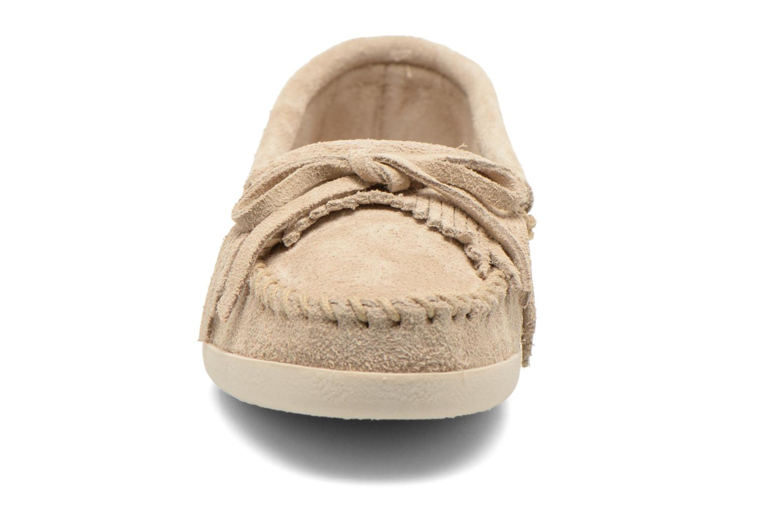 Loafers Minnetonka Newport Moc Beige model view