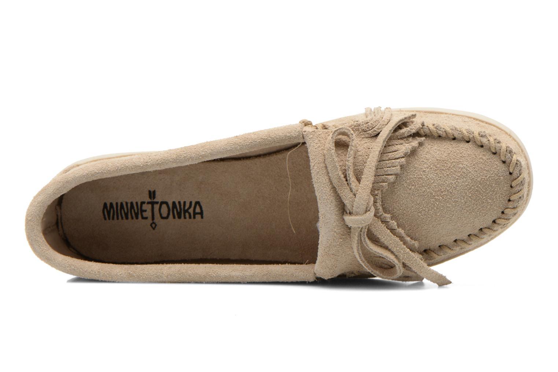 Slipper Minnetonka Newport Moc beige ansicht von links