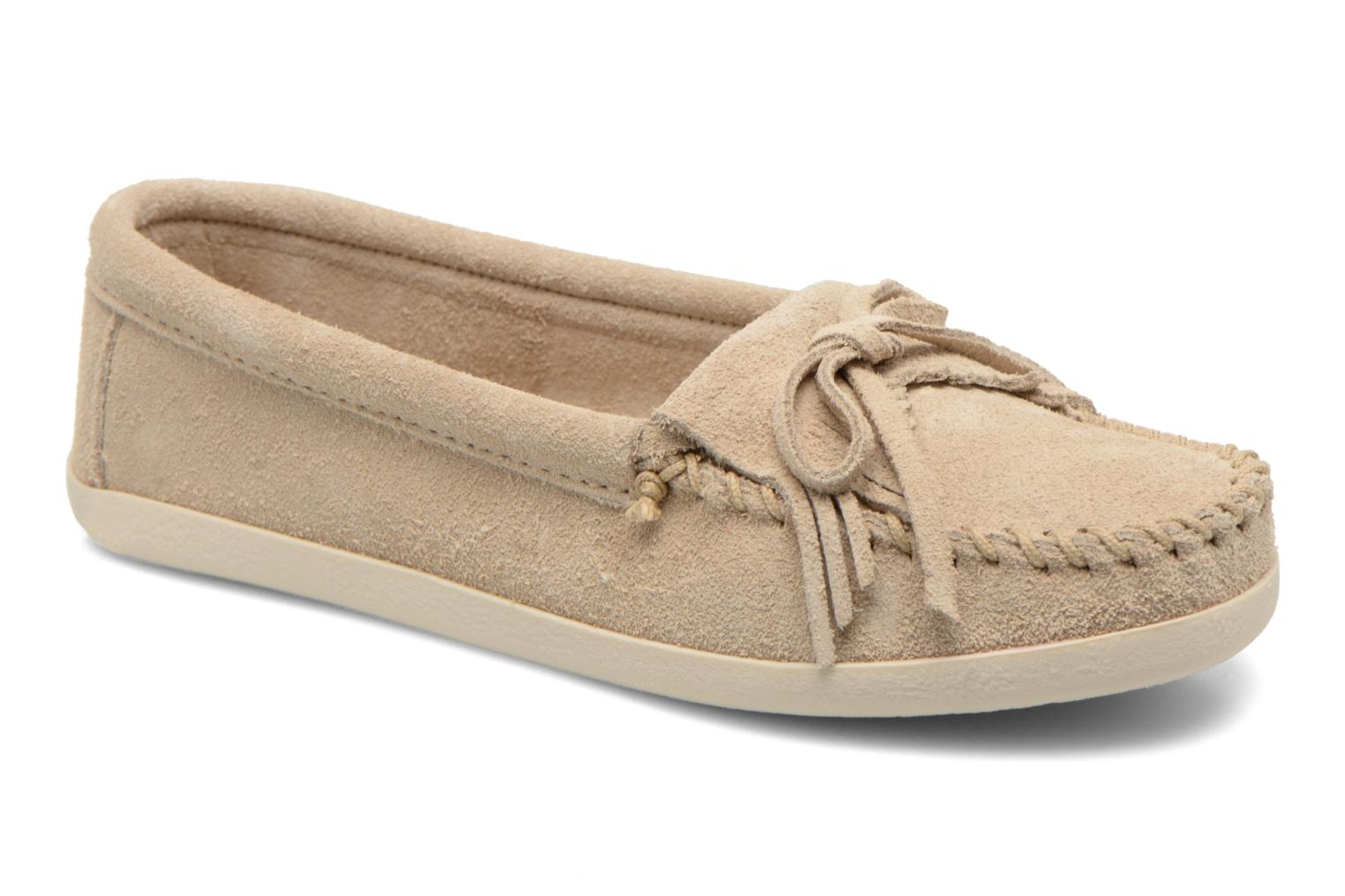 Loafers Minnetonka Newport Moc Beige detailed view/ Pair view