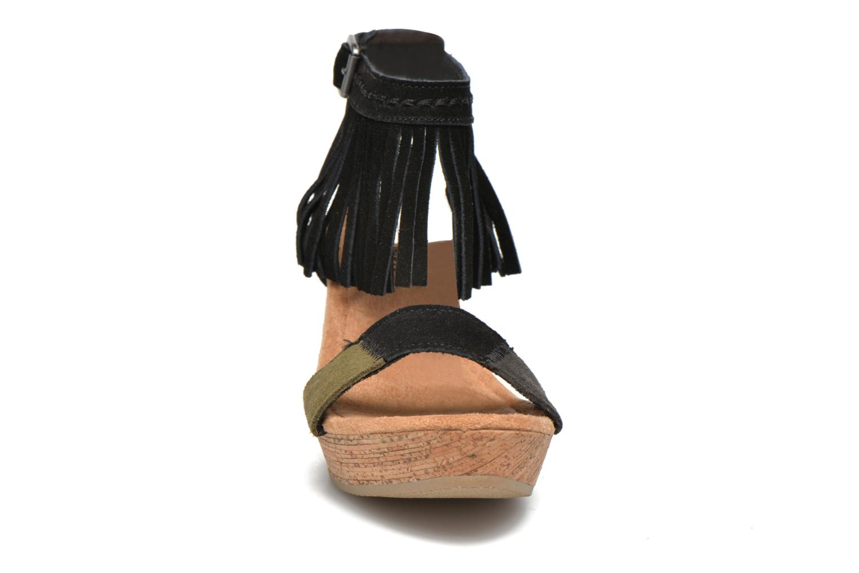 Sandalen Minnetonka Poppy schwarz schuhe getragen