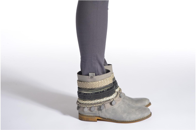 Bottines et boots Bullboxer Nadoco Noir vue bas / vue portée sac
