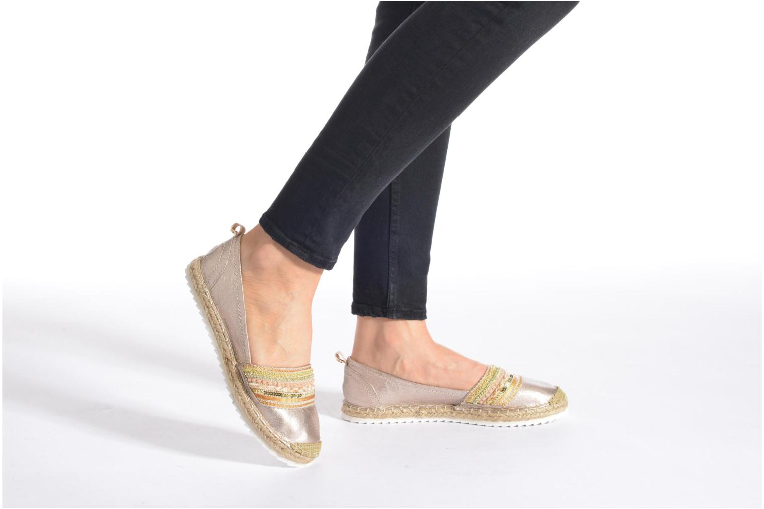 Espadrilles Bullboxer Pemito Bronze and Gold view from underneath / model view