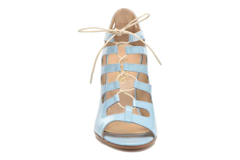 Sandales et nu-pieds Rebecca Balducci Théa Bleu vue portées chaussures