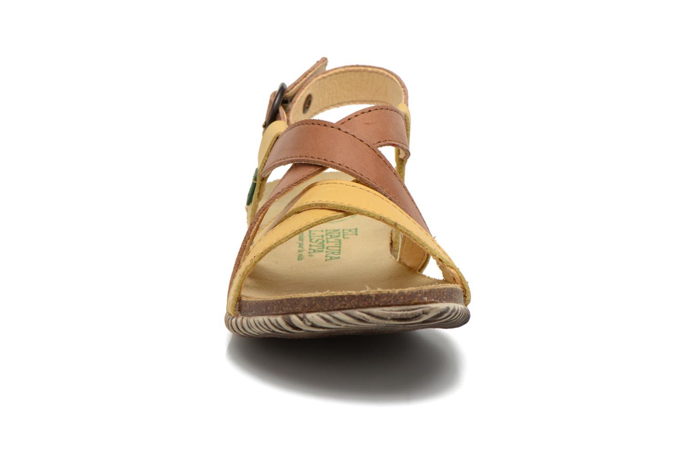 Sandales et nu-pieds El Naturalista Tayrona E508 Marron vue portées chaussures