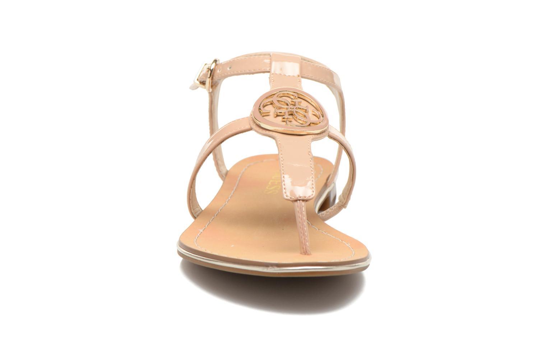 Sandalen Guess Roxxie beige schuhe getragen