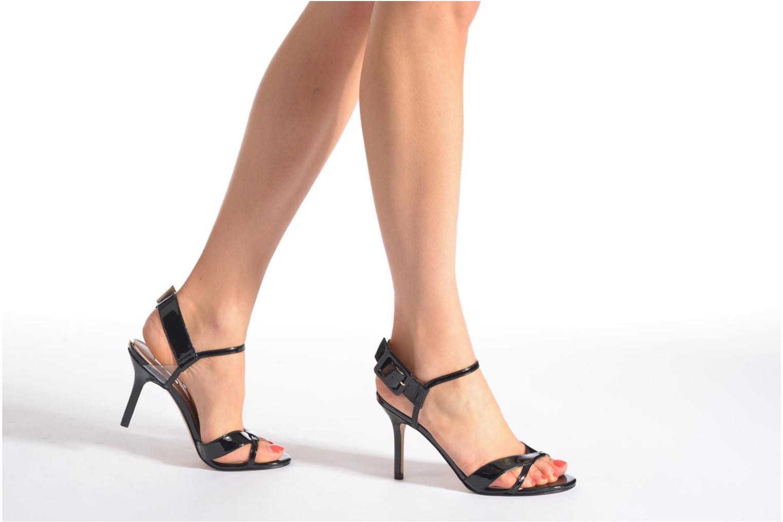 Los últimos zapatos de hombre y mujer Guess Deetra (Beige) - Sandalias en Más cómodo