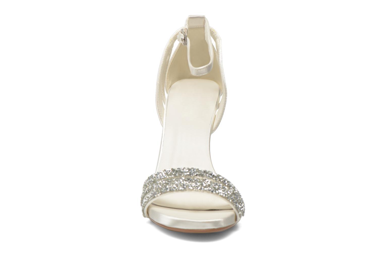 Sandales et nu-pieds Menbur Angustina Blanc vue portées chaussures