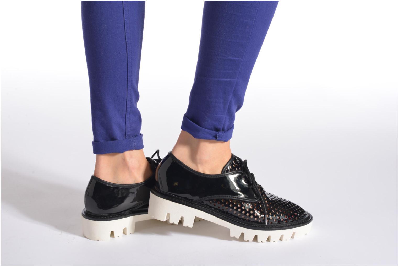 Chaussures à lacets Sixty Seven Arasna Noir vue bas / vue portée sac
