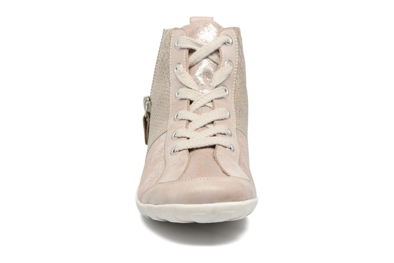 Baskets Remonte Bass R3470 Beige vue portées chaussures