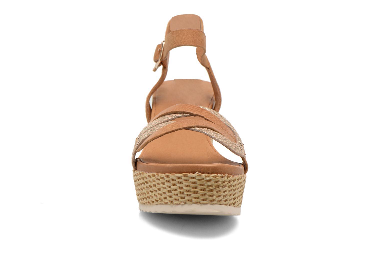 Sandales et nu-pieds Karston Latol Marron vue portées chaussures