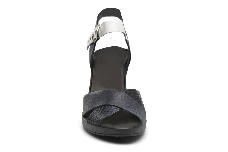 Sandales et nu-pieds Karston Juxin Noir vue portées chaussures
