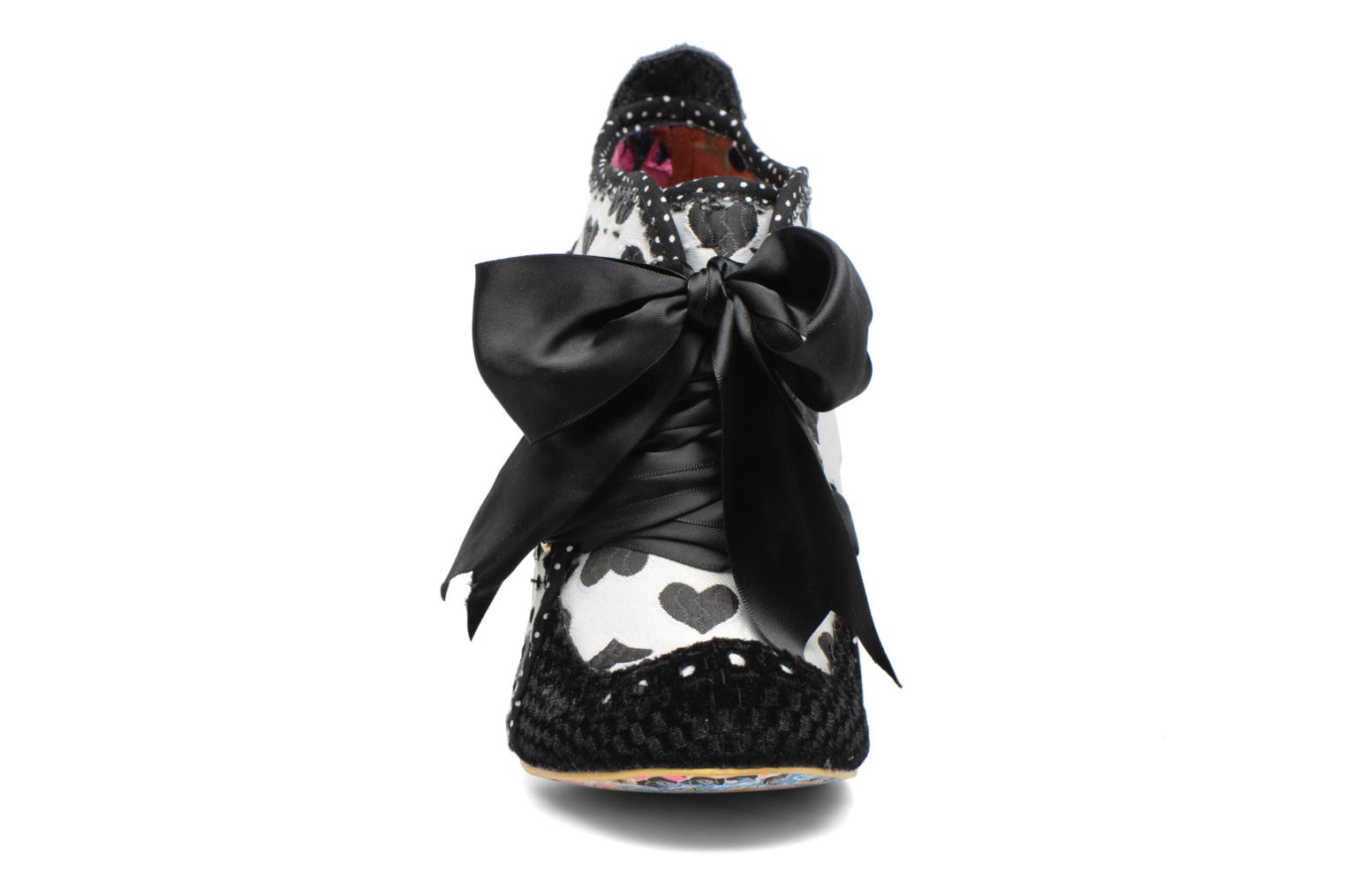 Zapatos con cordones Irregular choice Abigail's Third Party Negro vista del modelo