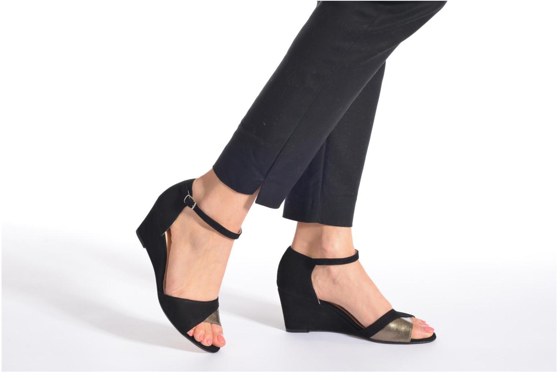 Sandales et nu-pieds Georgia Rose Lilika Beige vue bas / vue portée sac