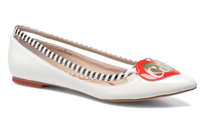 Ballerina's Coca-cola shoes Heart Wit detail