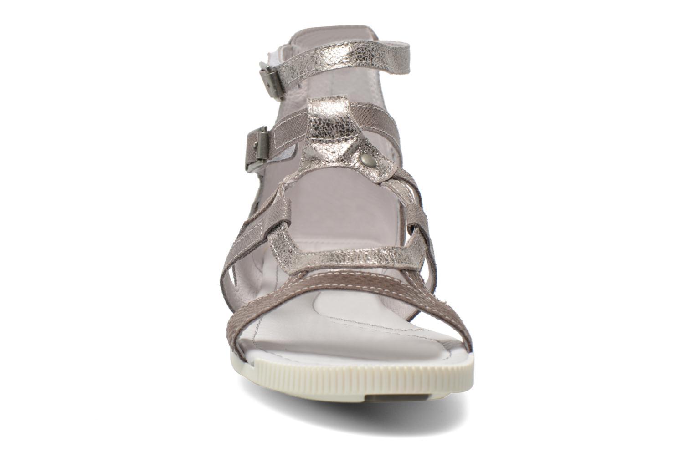 Sandales et nu-pieds Pataugas Chance Gris vue portées chaussures