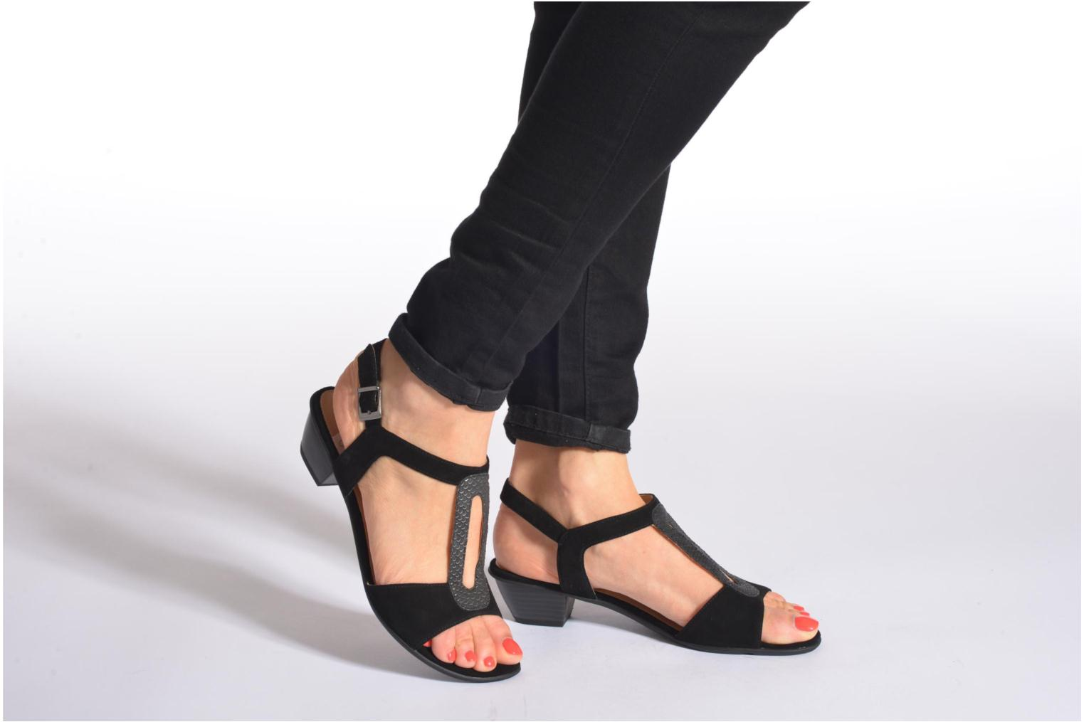 Sandals Sweet Chenel Black view from underneath / model view
