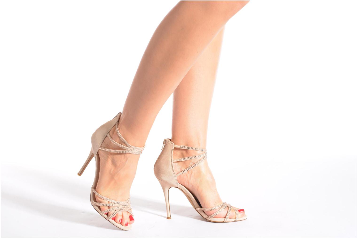 Sandals Steve Madden CAPPER Beige view from underneath / model view