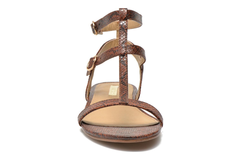 Sandalen Esprit Aely Bis Sandal braun schuhe getragen
