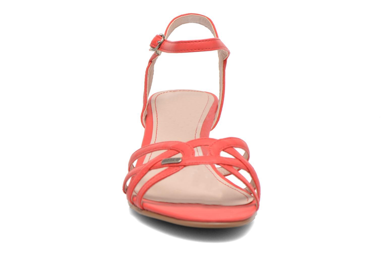 Sandalen Esprit Birkin Sandal rot schuhe getragen
