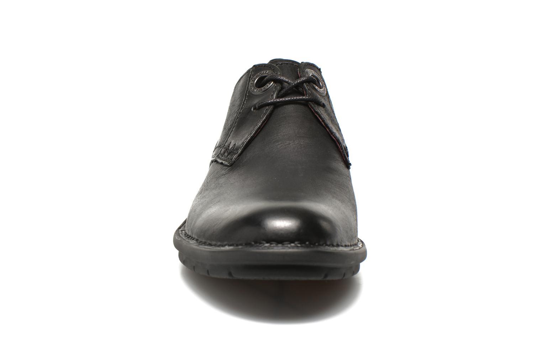 Chaussures à lacets Kickers VIKANG Noir vue portées chaussures