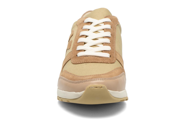 Baskets Kickers NIELO Beige vue portées chaussures