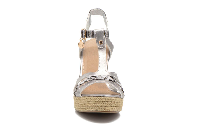 Sandales et nu-pieds Xti Bella 45058 Argent vue portées chaussures