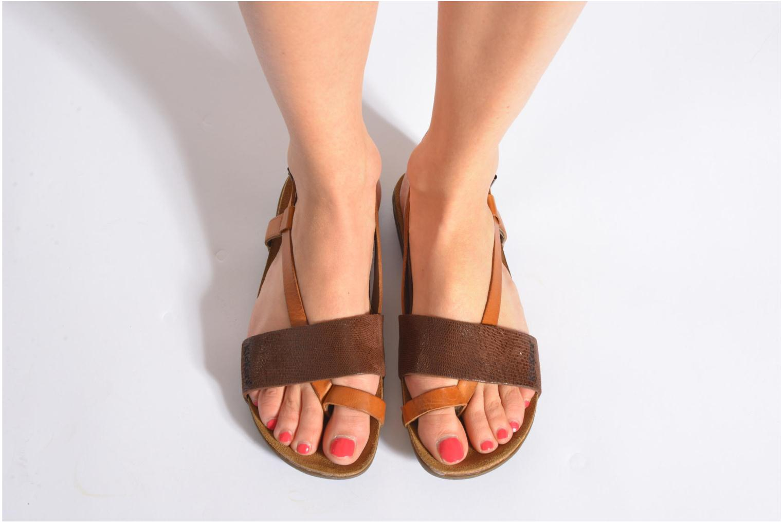 Sandales et nu-pieds Kickers Alchimie Noir vue bas / vue portée sac