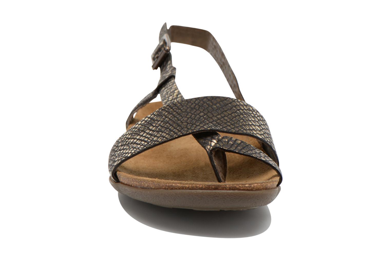 Sandalias Kickers Alchimie Negro vista del modelo