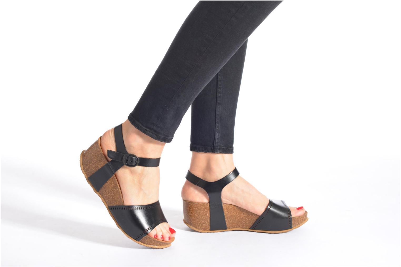 Sandales et nu-pieds Kickers Abyway Marron vue bas / vue portée sac