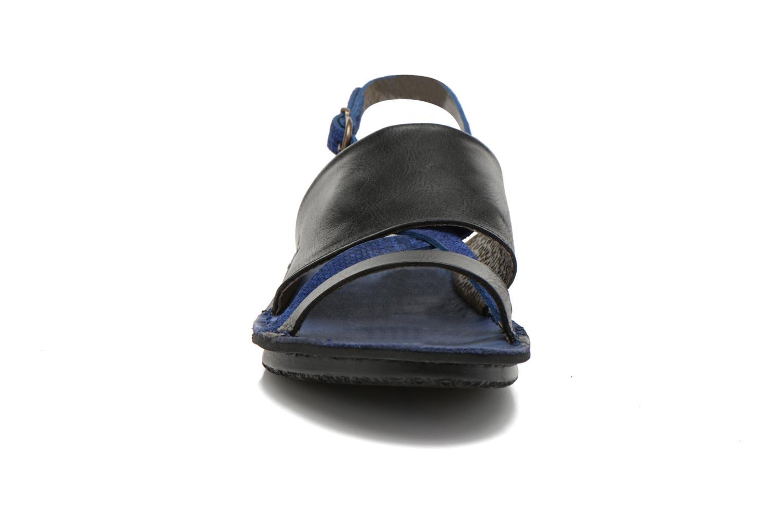 Sandales et nu-pieds Kickers Wawa Bleu vue portées chaussures