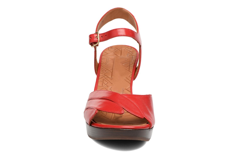 Sandalias Chie Mihara Jantra Rojo vista del modelo